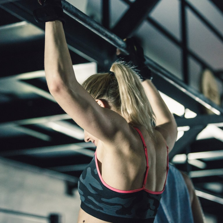 Calistenia, o treinamento cujo único peso é o seu próprio corpo