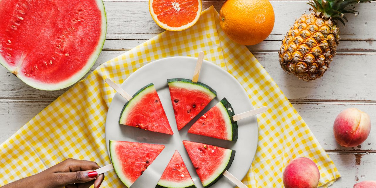 6 frutas que devem fazer parte da sua dieta no verão