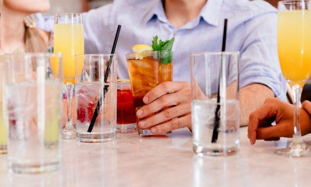 Beber Água ou Suco de Frutas: Qual a Melhor Opção?